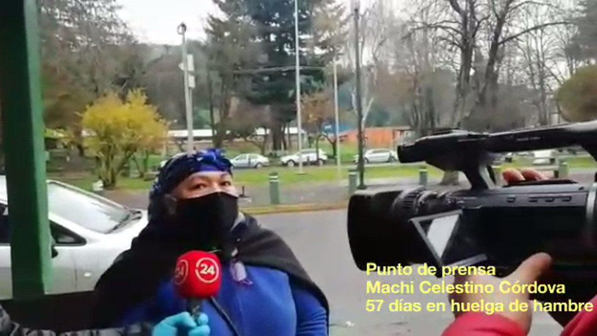 Vocera del machi Celestino Cordova, Giovanna Tabilo, da un comunicado a la prensa